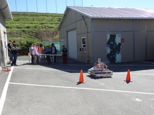 5th graders driving the robot